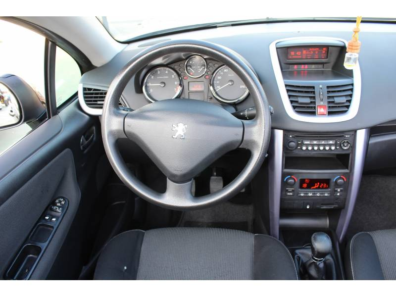 Peugeot 207 CC 1.6 VTi 16v 120 -
