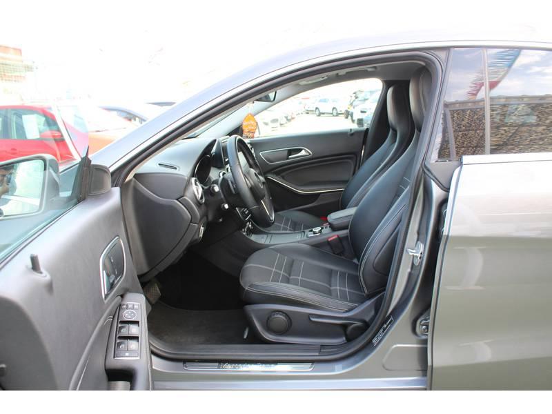 Mercedes-Benz Clase CLA CLA 220 Aut. CDI MUY CUIDADO