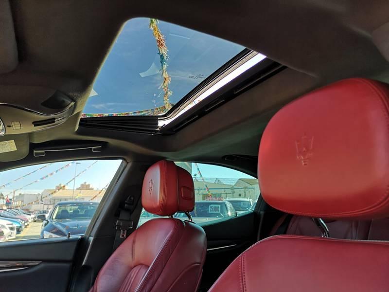 Maserati Ghibli 3.0 V6 DS 275CV RWD -