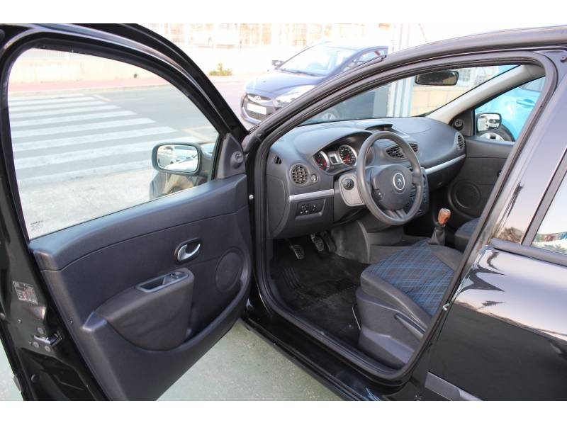 Renault Nuevo Clio 1.5DCI85 Authentique