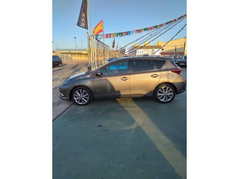 Toyota Auris 1.8 140H   Touring Sports Active