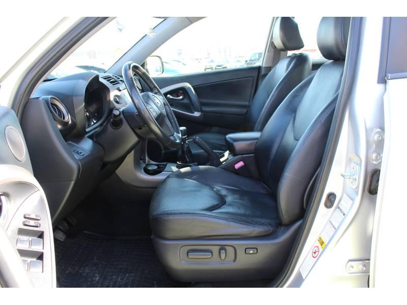 Toyota Rav4 2.2 D-4D 136cv Executive