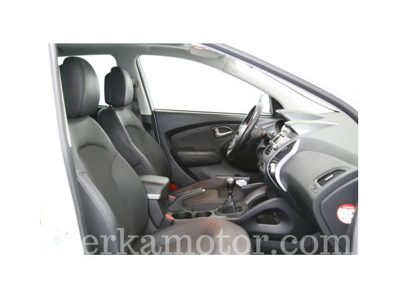 Hyundai ix35 2.0 CRDi GLS   136cv 4x4 Style Sky