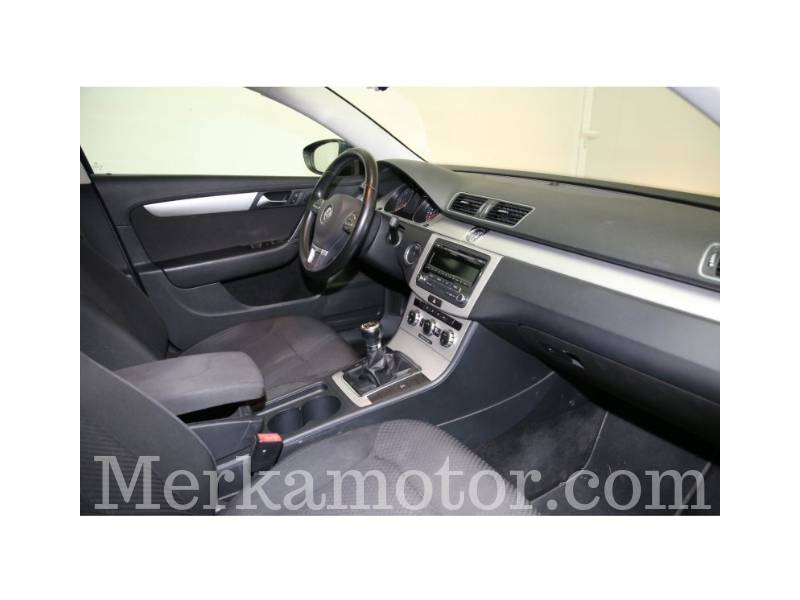 Volkswagen Passat 2.0 TDI 140cv Tech Edition BlueMotion