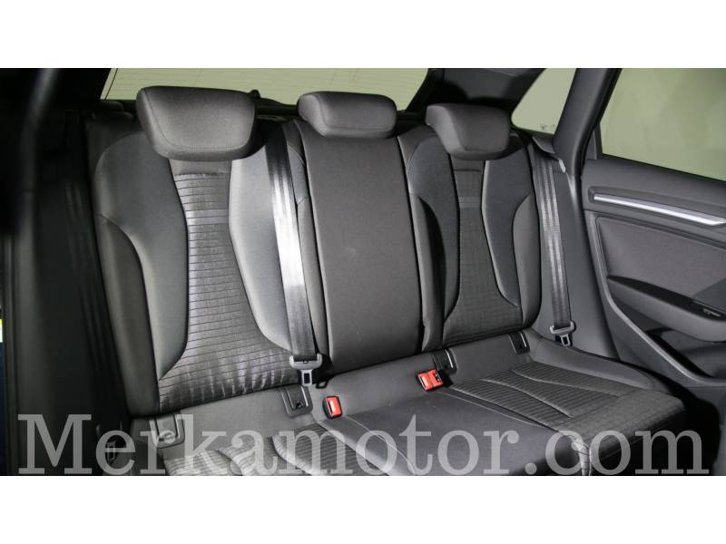 Audi A3 1.6 TDI Sportback Black line edition