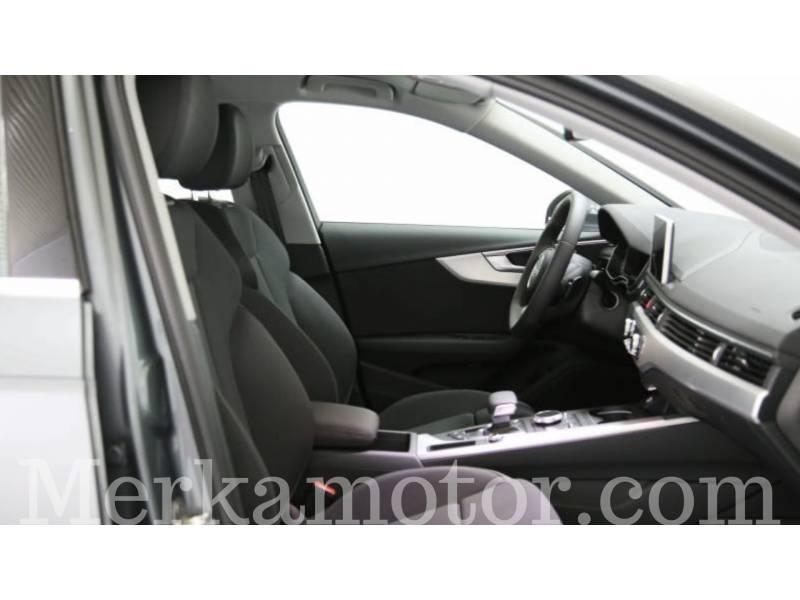Audi A4 2.0 TDI 150 CV S tronic S line