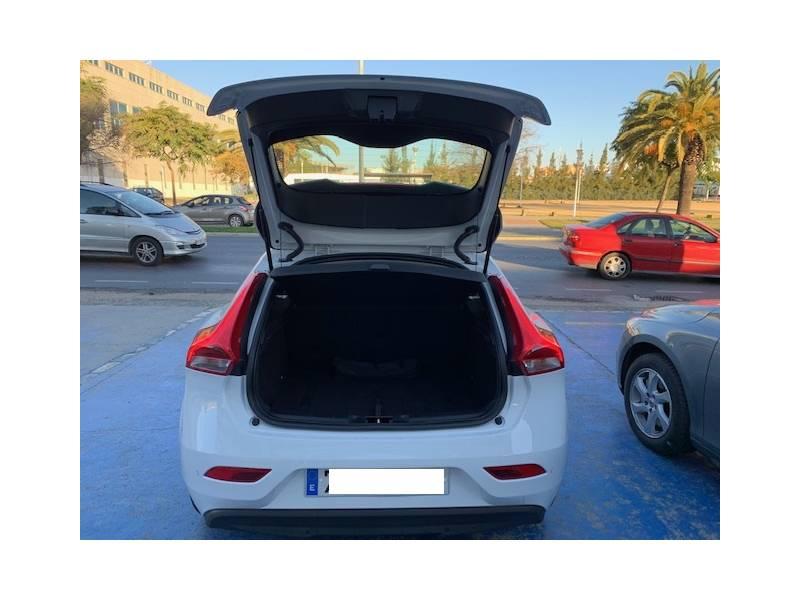 Volvo V40 1.5 T2   Auto Momentum