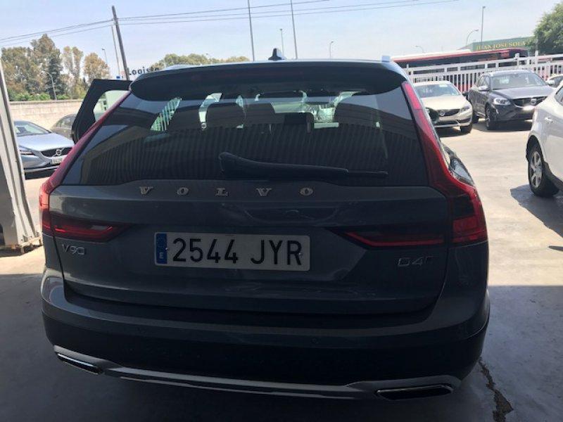 Volvo V90 Cross Country 2.0 D4 AWD Auto -MOMENTUN PLUS