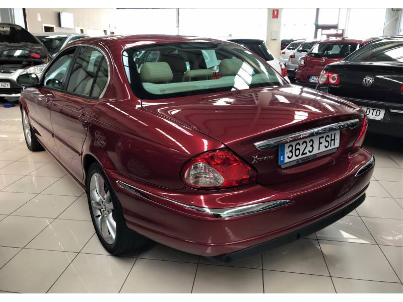 Jaguar X-Type 2.2d 155cv 6vel Executive