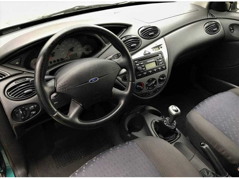 Ford Focus 1.6i 16v 100cv Trend