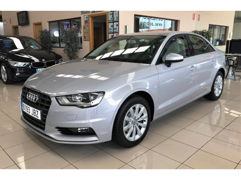 Audi A3 1.6 TDI 110cv Sedan Clean Attraction