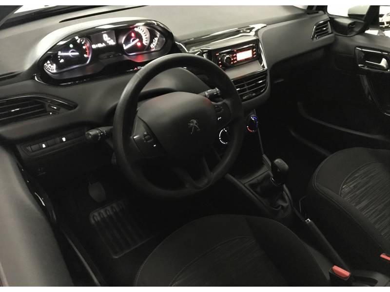 Peugeot 208 1.6 BlueHDi 75cv Business Line