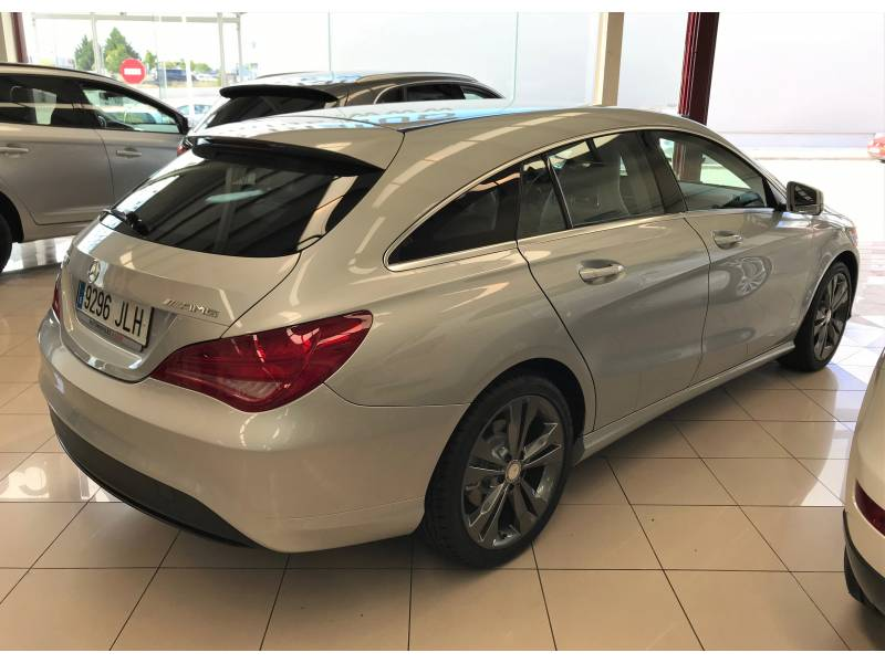 Mercedes-Benz Clase CLA 200d 7G-DCT Shooting Brake