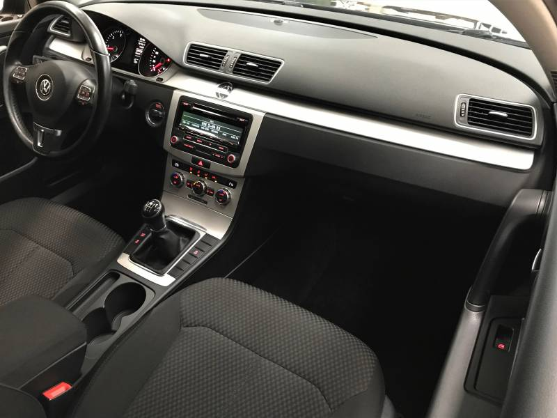 Volkswagen Passat 1.6 TDI 105cv Variant Edition Bluemotion