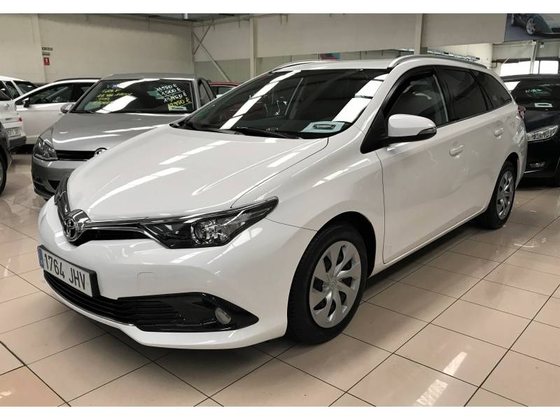 Toyota Auris 1.4d 90cv Touring Sports Active