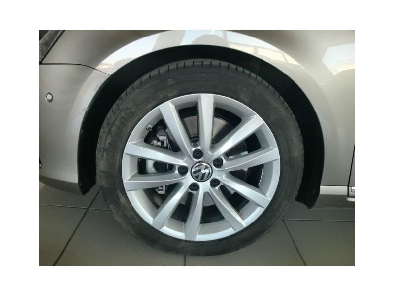 Volkswagen Passat 2.0 TDI 177cv   Tech Highline Bluemotion