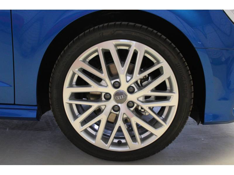 Audi A3 1.6 TDI Sportback S line edition