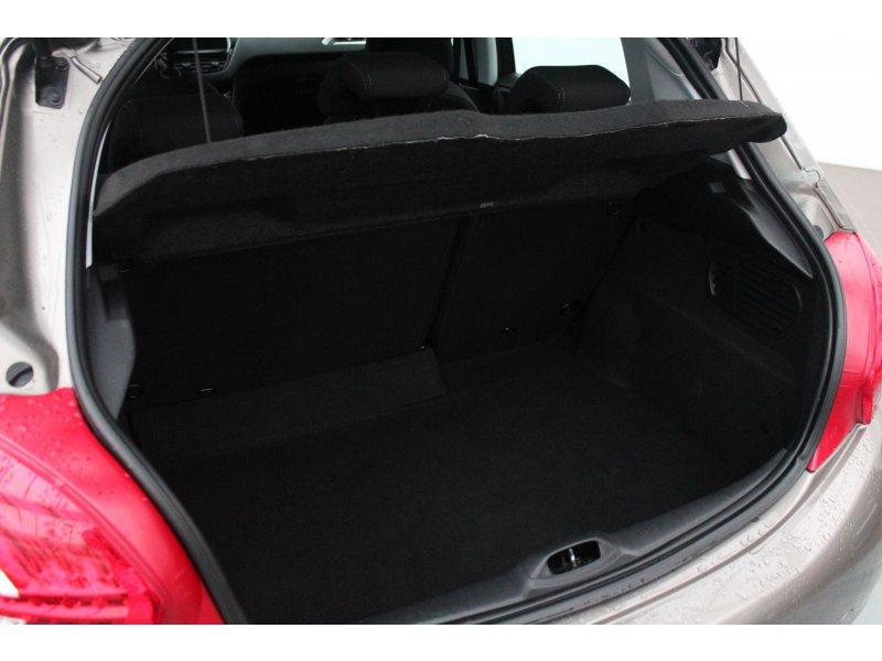 Peugeot 208 5P ALLURE 1.6 e-HDi 92 Allure