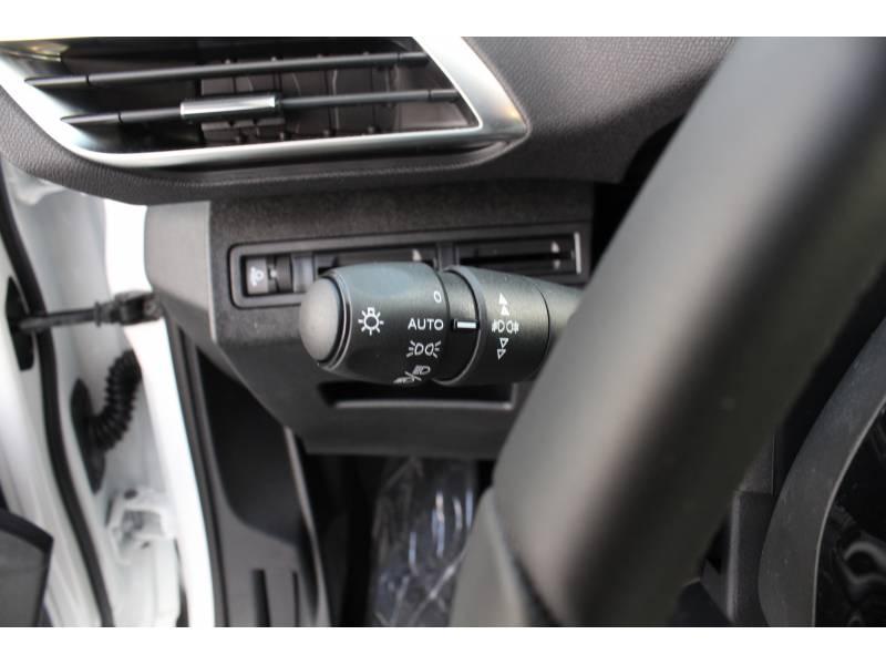 Peugeot 3008 1.2 PURETECH 96KW (130CV) ACTIVE EAT8 Active