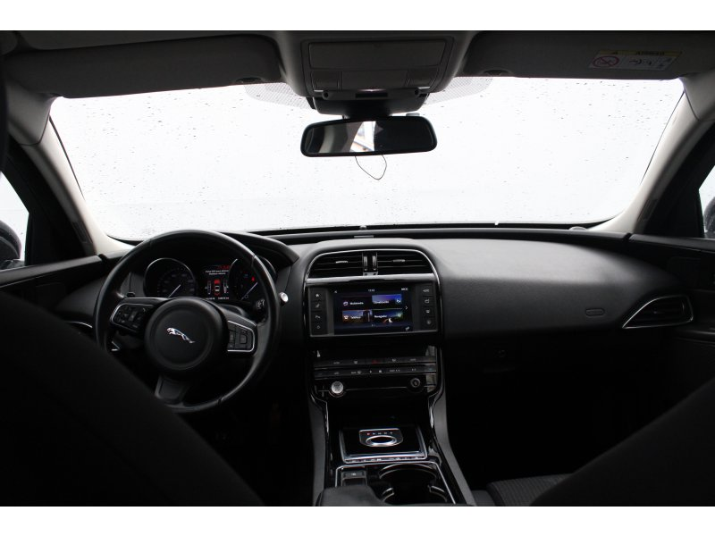 Jaguar XE 2.0 AJ200D Diesel Auto RWD XE Pure