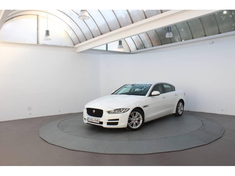 Jaguar XE 2.0 Diesel 132kW   Auto AWD Pure