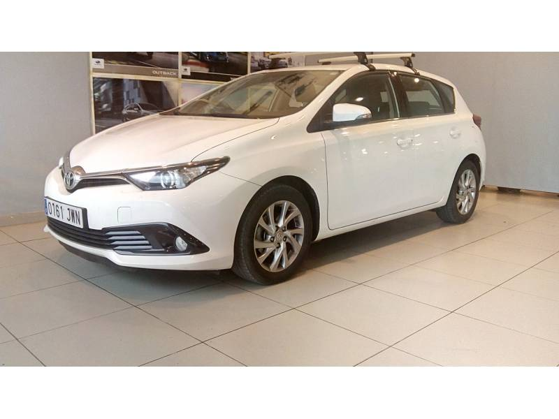 Toyota Auris 1.2 120T   (Business Plus) Active