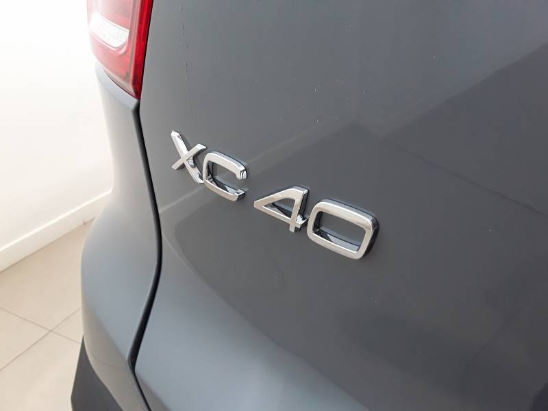 Volvo XC40 2.0 T4   Auto Business Plus