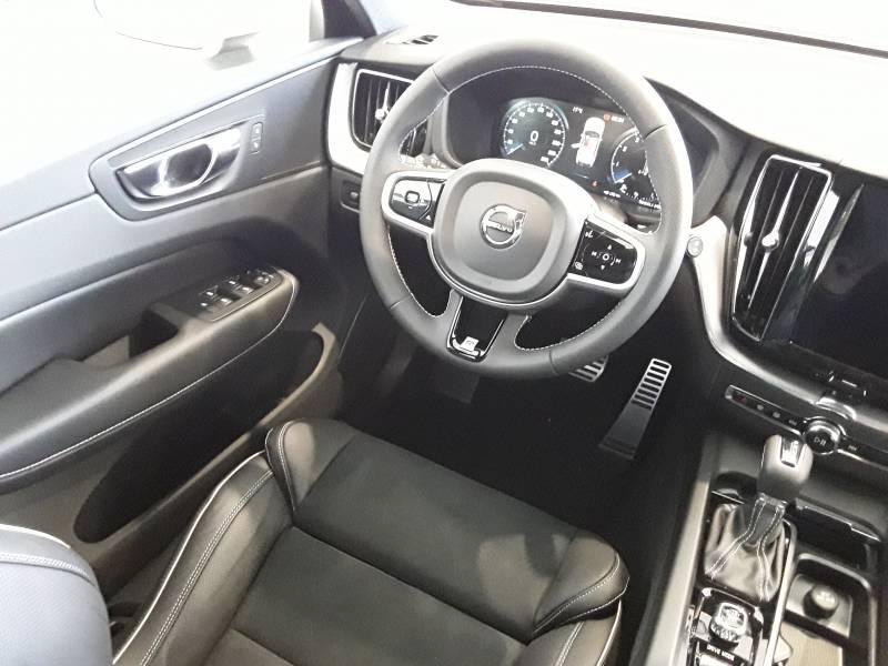 Volvo XC60 2.0 T4   Auto R-Design