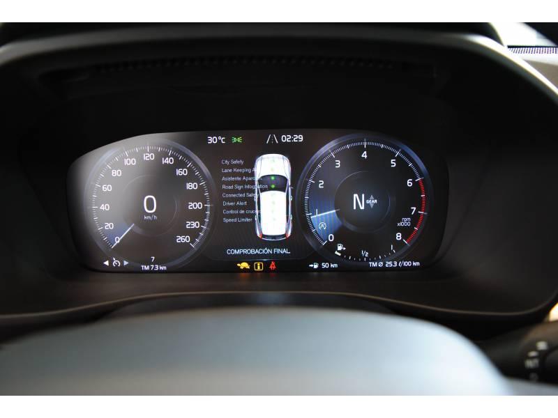 Volvo XC40 VOLVO BLACK DAYS Momentum