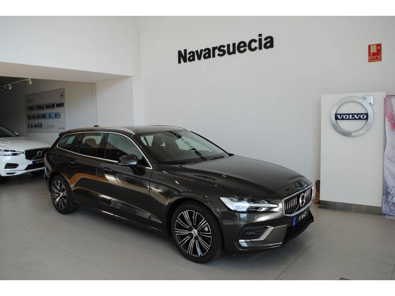 Volvo V60 D3 MOMENTUM 150 CV Inscription