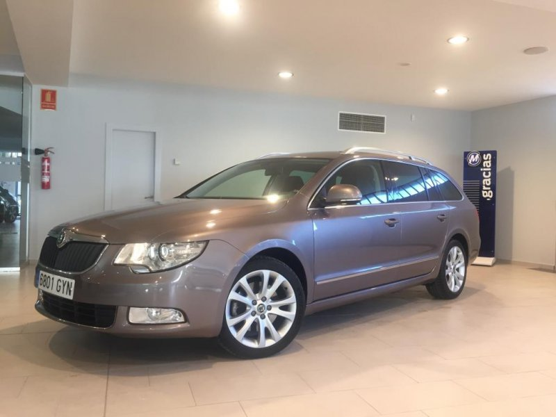 Skoda SuperB Combi 2.0 TDI PD 140cv DPF Ambition