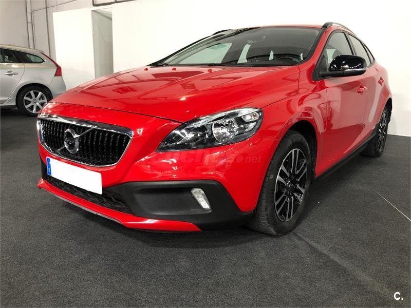 Volvo V40 D3 cross country CROSS COUNTRY MOMENTUM