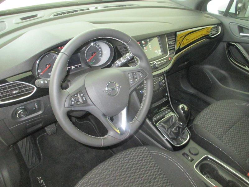 Opel Astra 1.6 CDTi 136 CV Dynamic