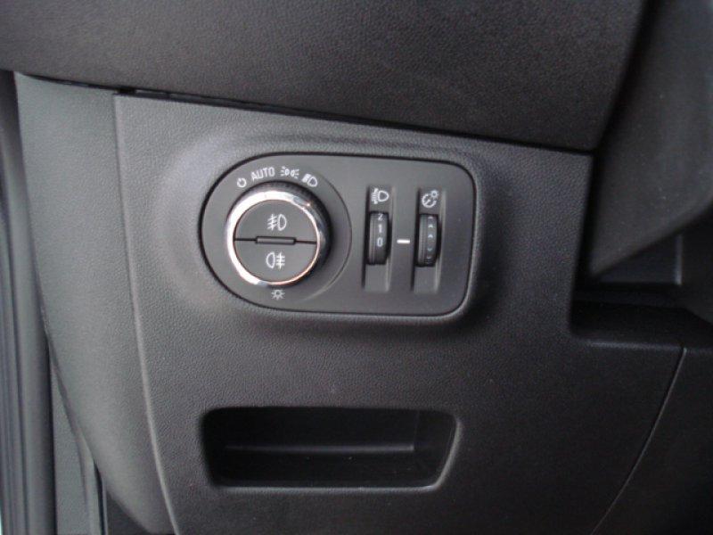 Opel Corsa 1.4 66kW (90CV) 5P DESING DESING