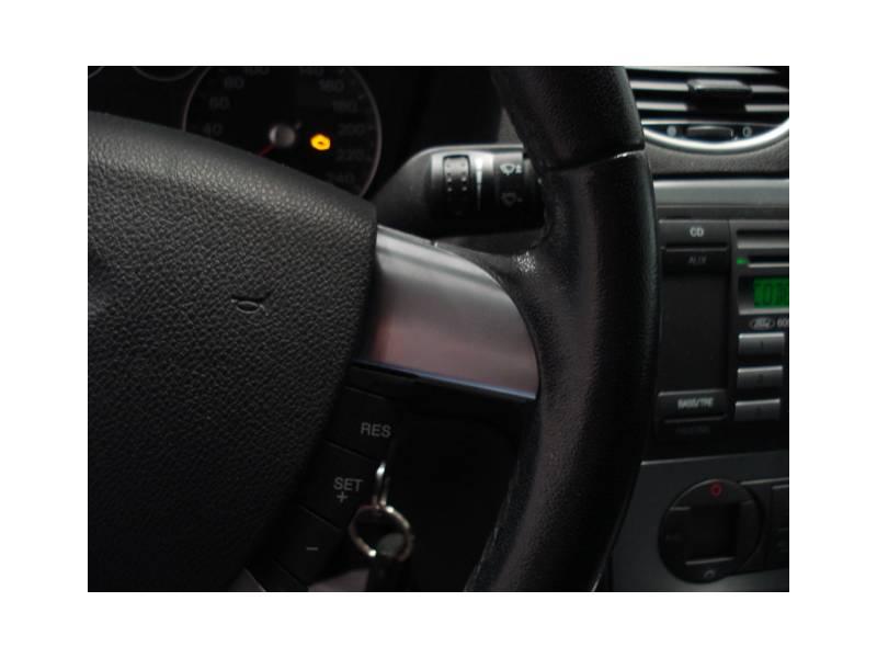 Ford Focus 1.6 I 100 CV Trend 5P