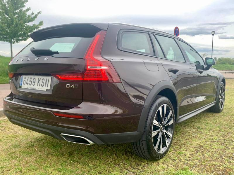 Volvo V60 Cross Country 2000 PRO D4 AWD AUT.
