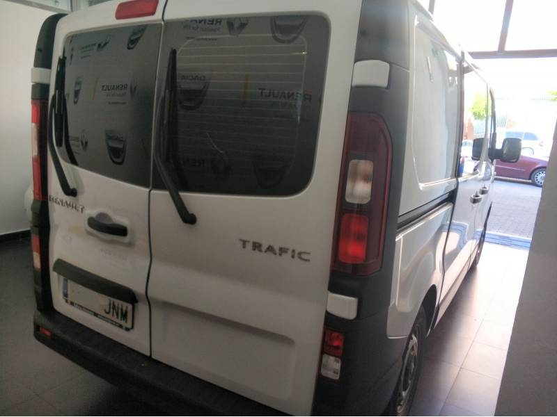 Renault Trafic combi 6 L1H1 2.7 -