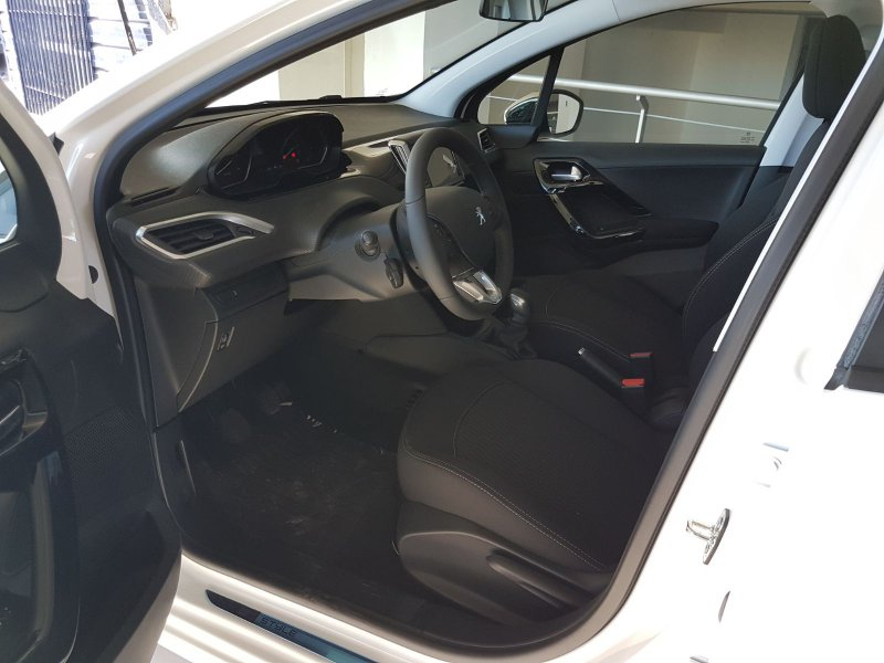 Peugeot 208 5P STYLE 1.6 BlueHDi 55KW (75CV)