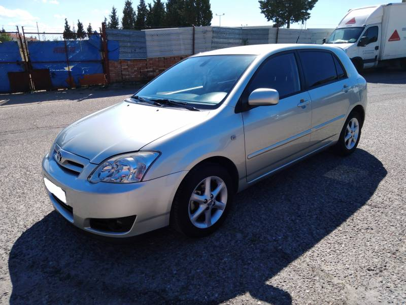 Toyota Corolla 1.4 VVT i -