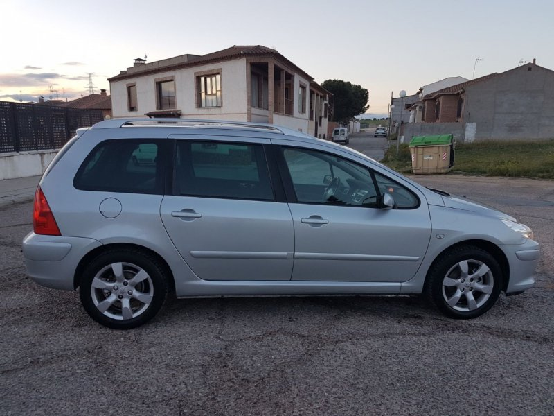 Peugeot 307 SW Pack + 1.6 HDi