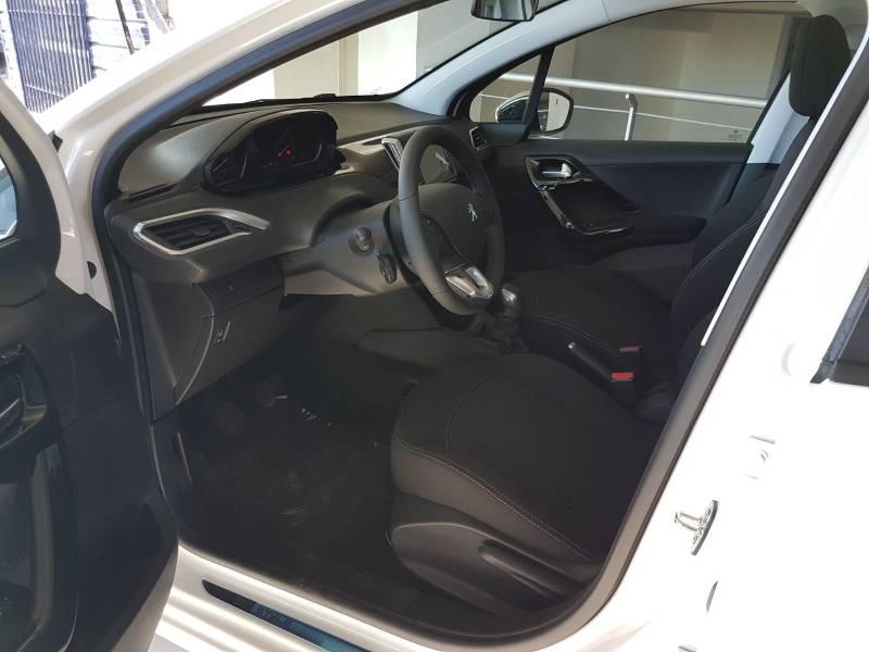 Peugeot 208 5P   BlueHDi 73KW (100CV) Tech Edition