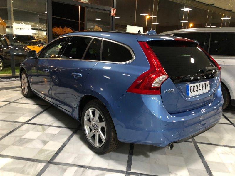 Volvo V60 2.0 D3 136CV Momentum