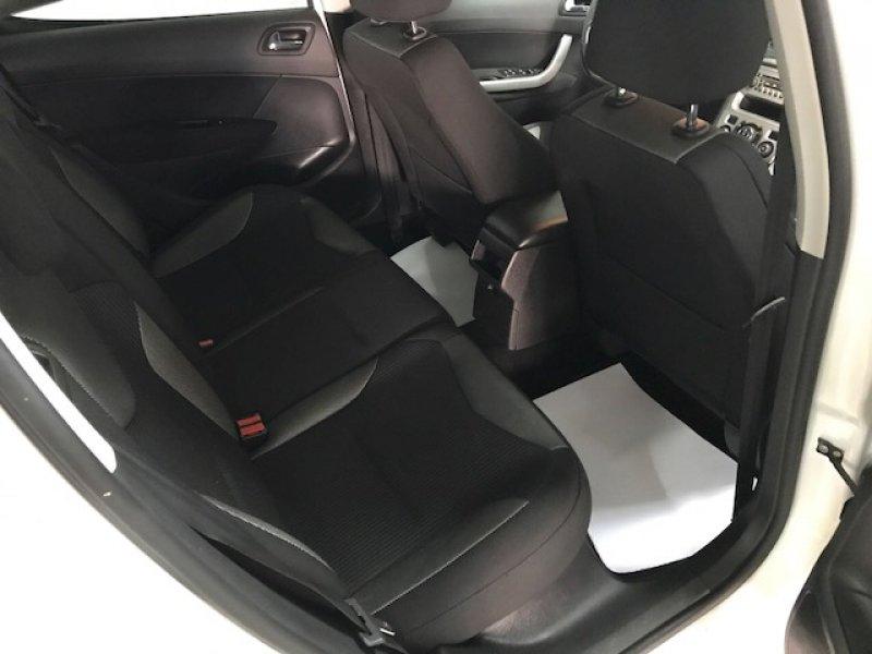 Peugeot 308 1.6 HDI 110 FAP 5 velocidades Sportium