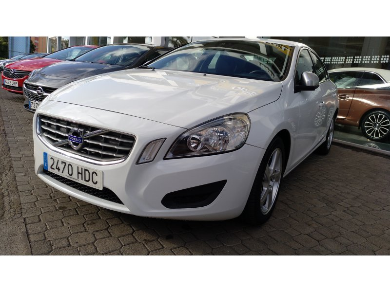Volvo S60 1600 CC KINETIC