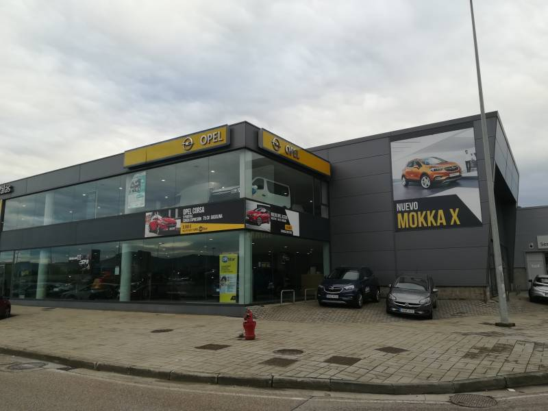 Opel Grandland X 1.2 Turbo AT8 Design Line 120 Aniversario