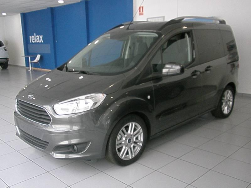 Ford Tourneo Courier 1.5TDCI TITANIUM TITANIUM