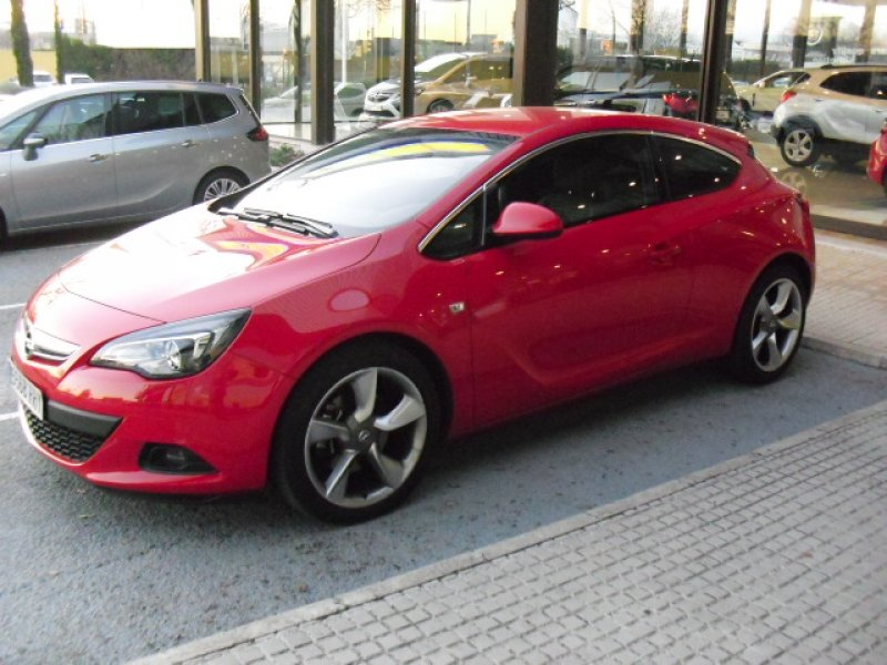 Opel Astra GTC 1.4 Turbo 140 cv Sportive