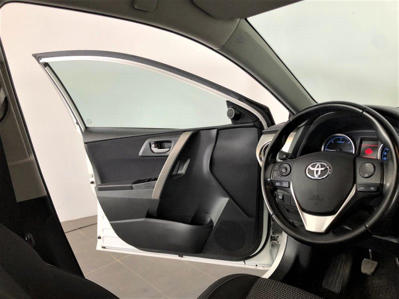 Toyota Auris 120D Touring Sports Active