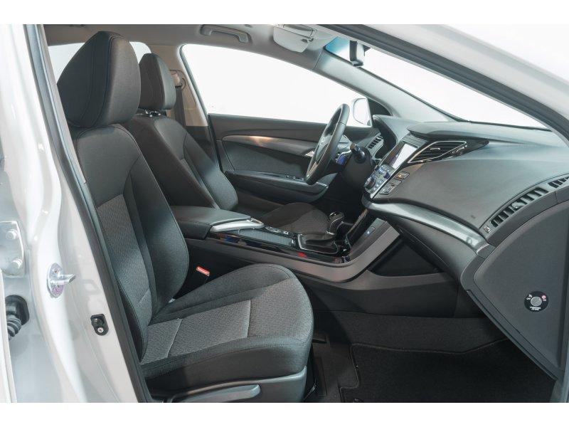 Hyundai i40 1 7 crdi 141cv bluedrive dct tecno diesel - Tapiceria granollers ...