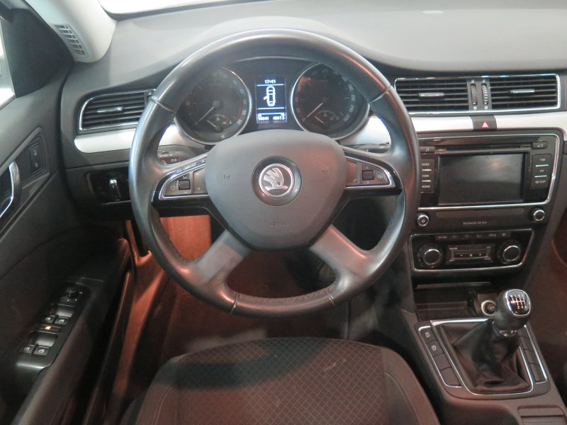 Skoda SuperB 2.0 TDI CR 140cv Ambition